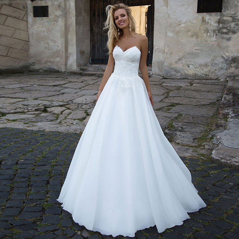 Sweetheart Neckline 2020 Lace Appliques Soft Chiffon Lace-up Back Pleart Wedding BridaL Gowns No Train Vestido De Novia