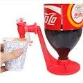 Coke bottle инвертированный диспенсер для воды креативный диспенсер для воды мини ручное давление питьевой воды кухонный гаджет