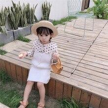 Новинка года; сезон осень; детская одежда в Корейском стиле для девочек; универсальная рубашка в горошек с воротником в стиле Питера Пэна; детская модная рубашка