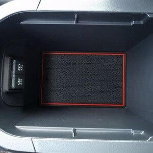 Image 5 - Thảm Chống Trơn Trượt Cho Điện Thoại Cổng Khe Cắm Thảm Cốc Miếng Đệm Cao Su Thảm Dành Cho Xe Toyota RAV4 2019 2020 XA50 RAV 4 50 Xe Ô Tô Phụ Kiện