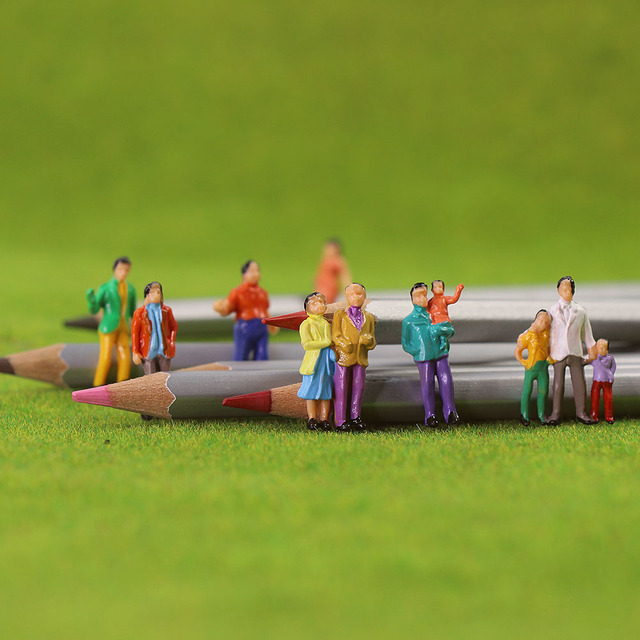 100Pcs HO Scale Painted Figuresคน1:87ชุดรถไฟยืนผู้โดยสารAssorted Pose P100W