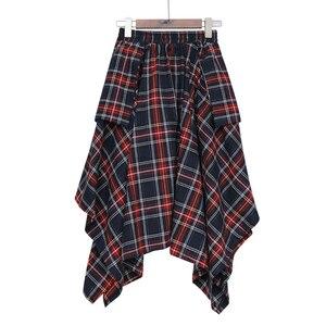 Image 5 - [EAM] גבוהה אלסטי מותניים אדום סימטרי משובץ תחבושת פיצול חצי גוף חצאית נשים אופנה גאות חדש אביב סתיו 2020 JD402