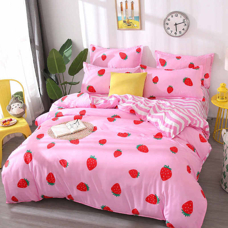 Strawberry Cat 4pcs Kid Bed Cover Set Cartoon Duvet Cover Adult Child Bed Sheets And Pillowcases Comforter Bedding Set 2TJ-61003