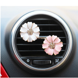 Car Air Freshener Car Perfume Diffuser Clip Car Auto Vent Freshener Essential Car Accessories Ornaments Rhinestone Daisy Flower