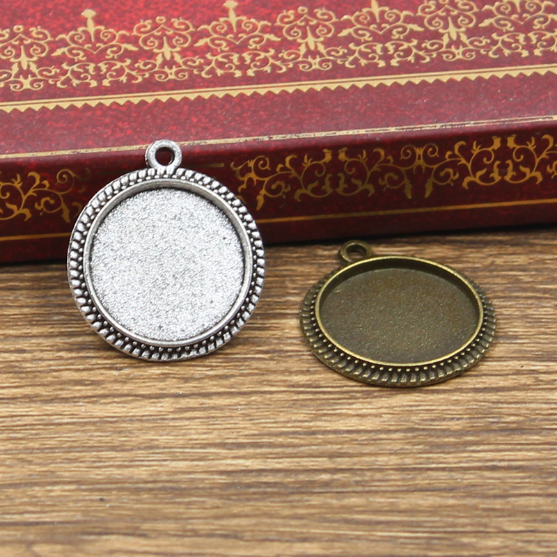 12pcs Fit 16mm Round Glass Cabochon Base Setting Hot Antique Bronze Silver Color Color Pendant Tray For Jewelry DIY Making