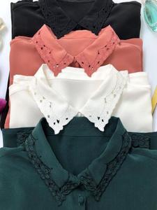 Image 4 - Hollow haftowana jedwabna koszula w stylu Vintage elegancka, długa rękaw guzik do koszuli z bluzką pokryte guziki