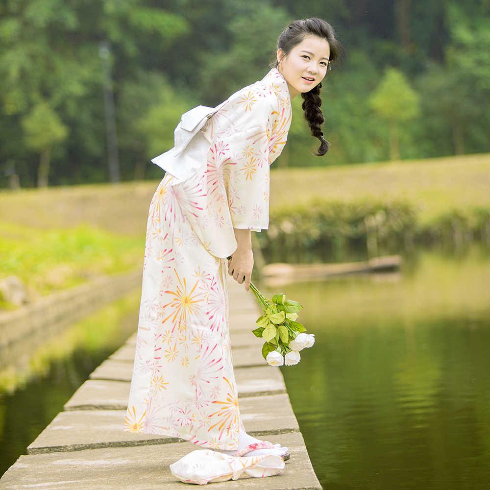 Frauen Kimono Robe Traditionellen Japan Yukata gelb Farbe blumen Drucke  Sommer Kleid Durchführung Verschleiß Cosplay Kleidung