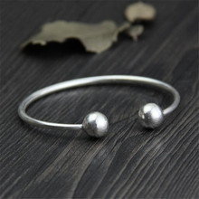 цена 925 Sterling Silver Fashion Glossy Garlic Silver Bracelet Handmade Silver Jewelry Simple Opening Lady's Accessories онлайн в 2017 году