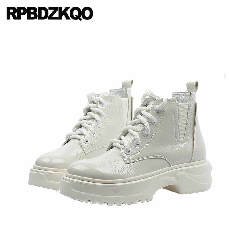 Avant à lacets bottines décontracté automne combat chaussures à talons hauts d'hiver blanc coin militaire fourrure femmes en cuir verni plate-forme