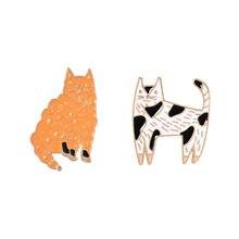 القطط المينا دبابيس مخصص أسود أبيض برتقالي القطط بروش التلبيب دبوس حقيبة قميص هريرة شارة لطيف مجوهرات بأشكال حيوانات هدية للأصدقاء