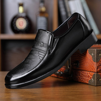 2019 Men Dress Shoes Handmade Brogue Style Paty Leather Wedding Shoes Leisure Men Flats Leather Oxfords Formal Shoes