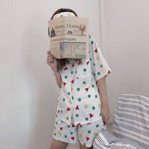Image 5 - Bangtan garçons pyjama ensemble été Harajuku imprimé Kawaii dessin animé Crayon Shin chan coton Pyjamas à manches courtes vêtements de nuit pour enfants