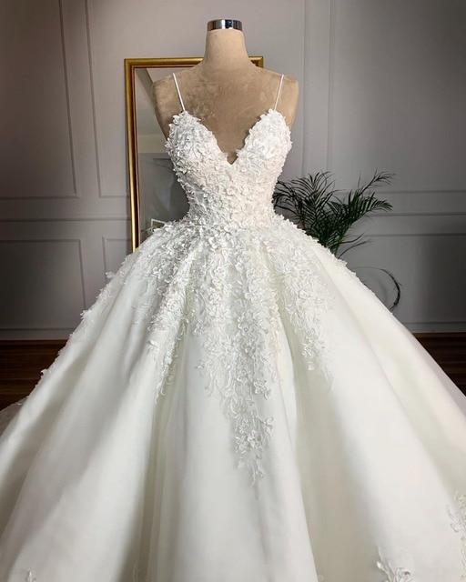 Vintage Lace Wedding Dresses 2021 Casamento 3D Flower Sexy V Neck Spaghetti Strap Bridal Gowns Lace Up Plus Size Wedding Dress 2