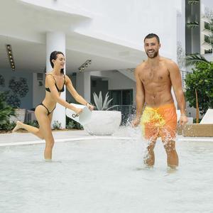 Image 5 - 2020 חדש מדהים צבע שינוי בגד ים בגדי ים בגד ים להחליק גברים מכנסיים שחייה גברים של החוף לשחות זכר תחתונים סקסי הומו