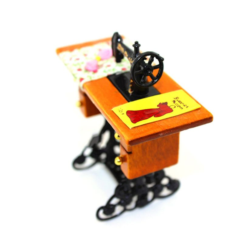 Sewing Machine with Cloth Line for 1/12 Scale Vintage Miniature Doll House Furniture Decoration E65D