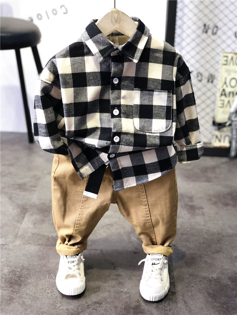 Kids Headquarters Brand New Baby Boys/' 2-Piece Plaid Shirt /& Khaki Shorts Set