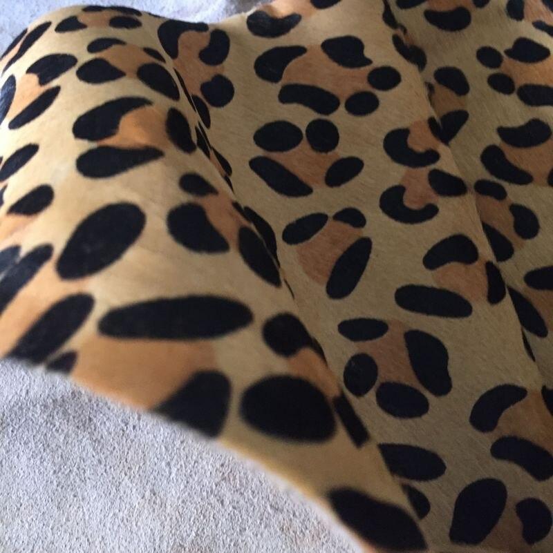 Véritable peau de vache en cuir fourrure léopard imprimé vente par pièce entière