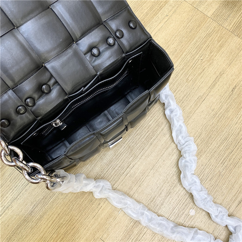 Leather Weaved Shoulder Bag With Thick Metal Chain