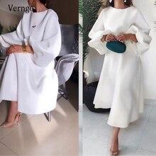 فستان سهرة طويل من الساتان الأبيض  أنيق  بسيط  بأكمام منتفخة