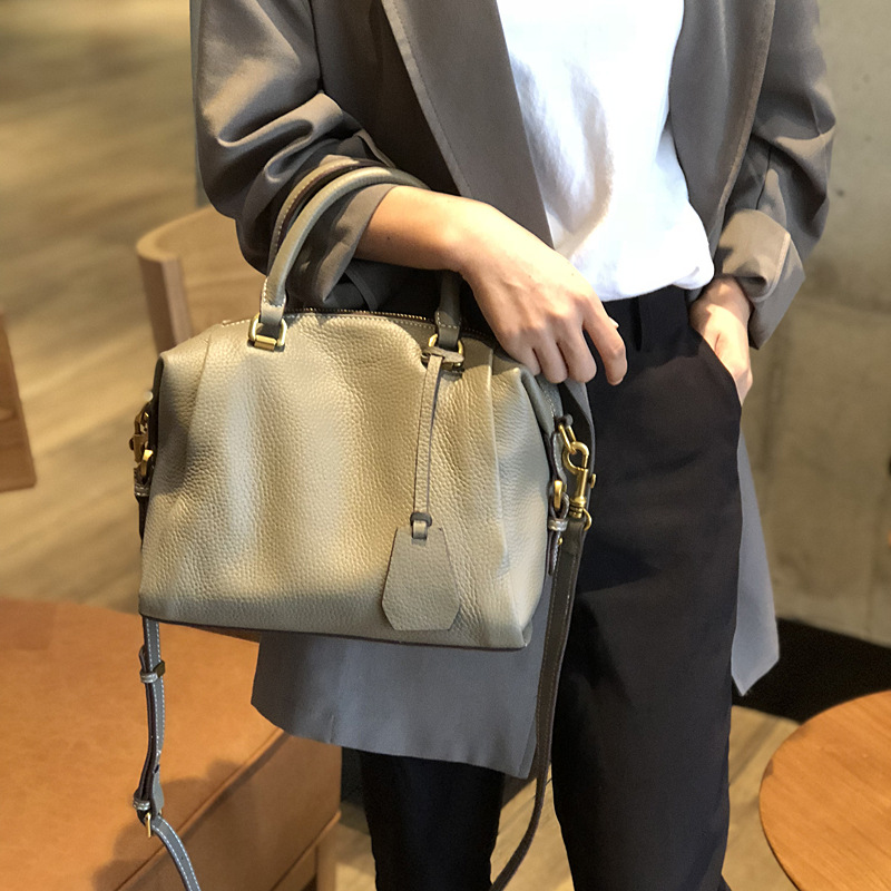 2019 New Leather Women's Bags European and American Fashion Bags, Shoulder-to-shoulder Handbags, Women's Bags.
