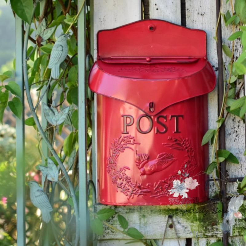 Pastoral Lockable Secure Iron Post Box Vintage Handmade Metal Letter Newspaper Mail Box Wall Mounted Creative Mailbox HW176