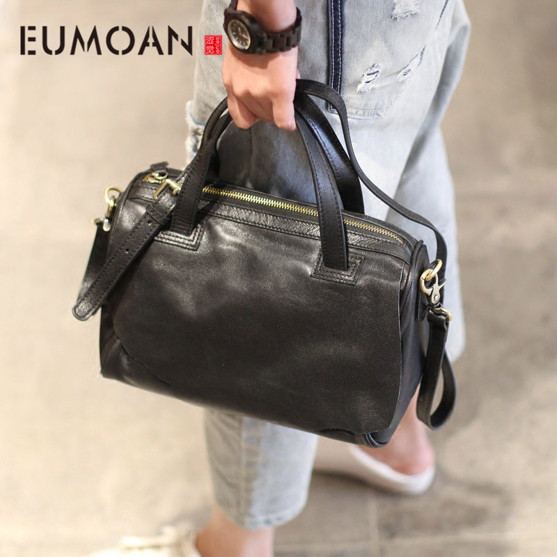 AETOO The new school bag all-match locomotive Shoulder Handbag BLACK SHEEPSKIN leisure Xiekua package ol Commuter Bag