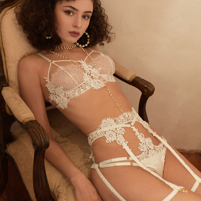 Sexy Lace Bra and Panty Set with Garter Belt Women's Lingerie Y-Line Adjustable Shoulder Strap Transparent Brief Bra Sets