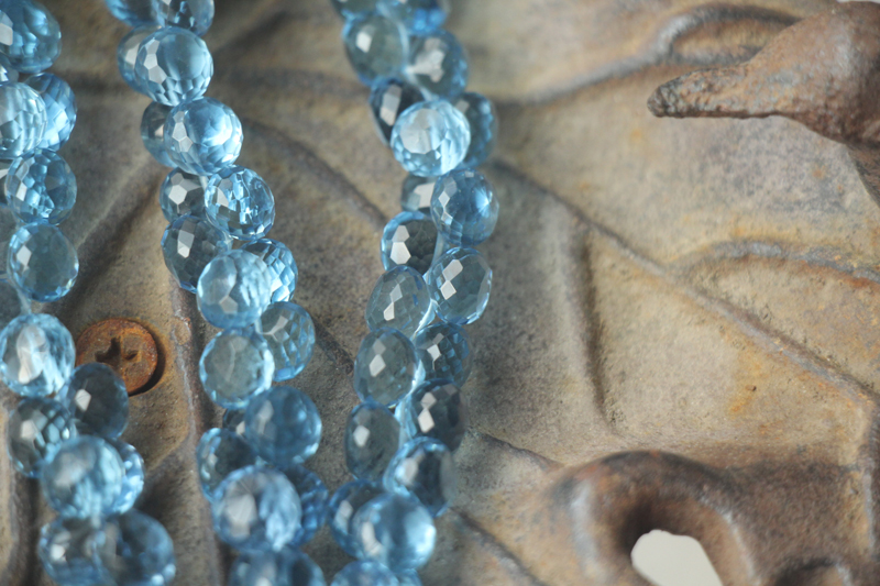 20x8 Inches Strand,London Blue Quartz Faceted Oval Shaped Briolettes,7x9mm