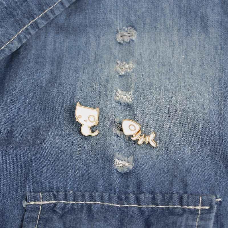 Enamel Cat White Brooch Backpack Shirt Cartoon Cute Kitten Fish Bone Alloy Collar Dropping Oil Brooch Funny Kitten Animal