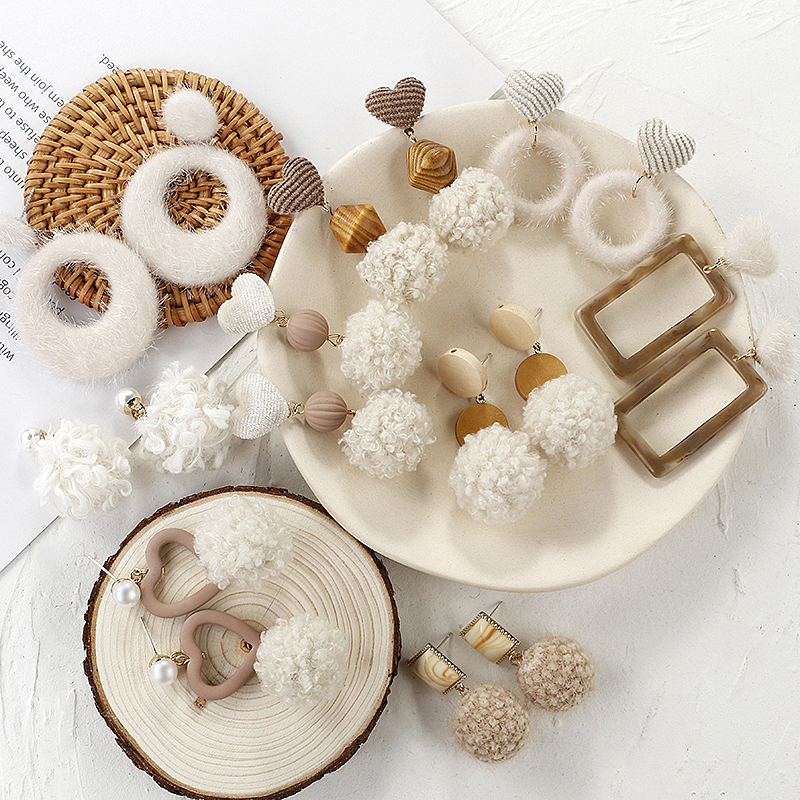 AENSOA Korean Wool Ball Earrings For Women Lovely Warm Temperament Fit Autumn And Winter Style Curly Ball Plush round Earrings