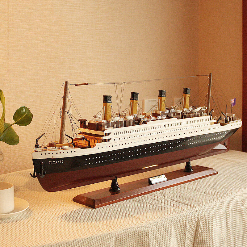 finished-product-font-b-titanic-b-font-model-pendulum-solid-wood-model-ship-simulation-cruise-ship-with-lights-model