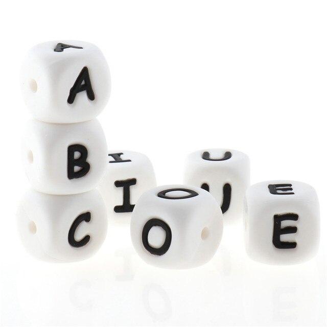 500PCS Brief 12mm Silikon Zahnen Alphabet Perlen Cube Bpa Frei Baby Mundpflege Halskette Armband Zubehör Beißring Fütterung