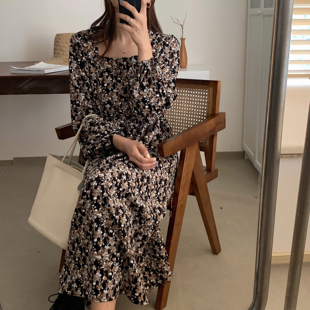 Hd83e56a6a30e4ffcb2520218db15d53aV - Autumn Square Collar Lantern Sleeves Floral Print Midi Dress