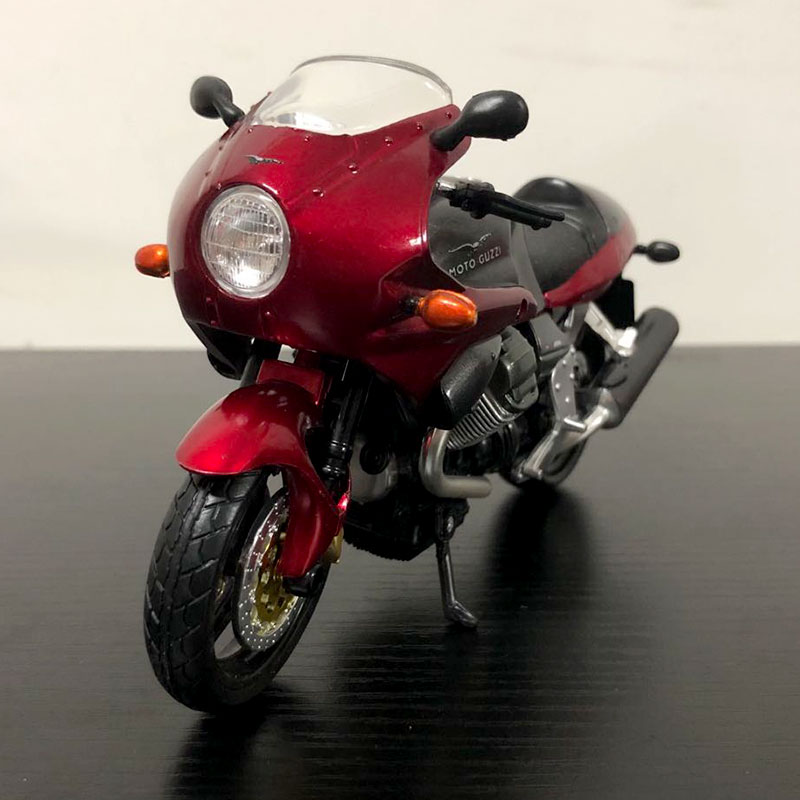 NEWRAY 1/12 Scale Motorcycle Model Toys MOTO GUZZl Diecast Metal Motorbike Model Toy For Collection/Gift/Decoration/Kids