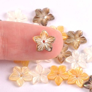5 pçs 9mm contas de concha mãe natural pérola escudo padrão flor diy orelha studs fazendo acessórios trs0385