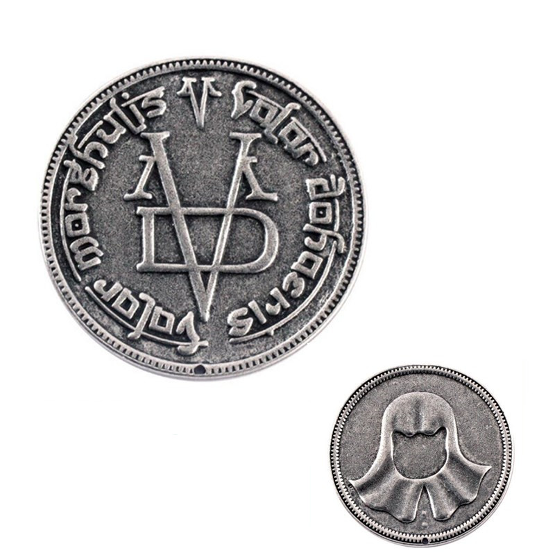 Right Game Badge Keychain Coin Coin Face Person Iron Coin Role-playing Game Show Costume Props Accessories