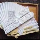 Caliente abanico de mano de seda de lujo personalizado en elegante caja de regalo cortada con láser + favores de fiesta/regalos de boda + IMPRESIÓN 220 unids/lote