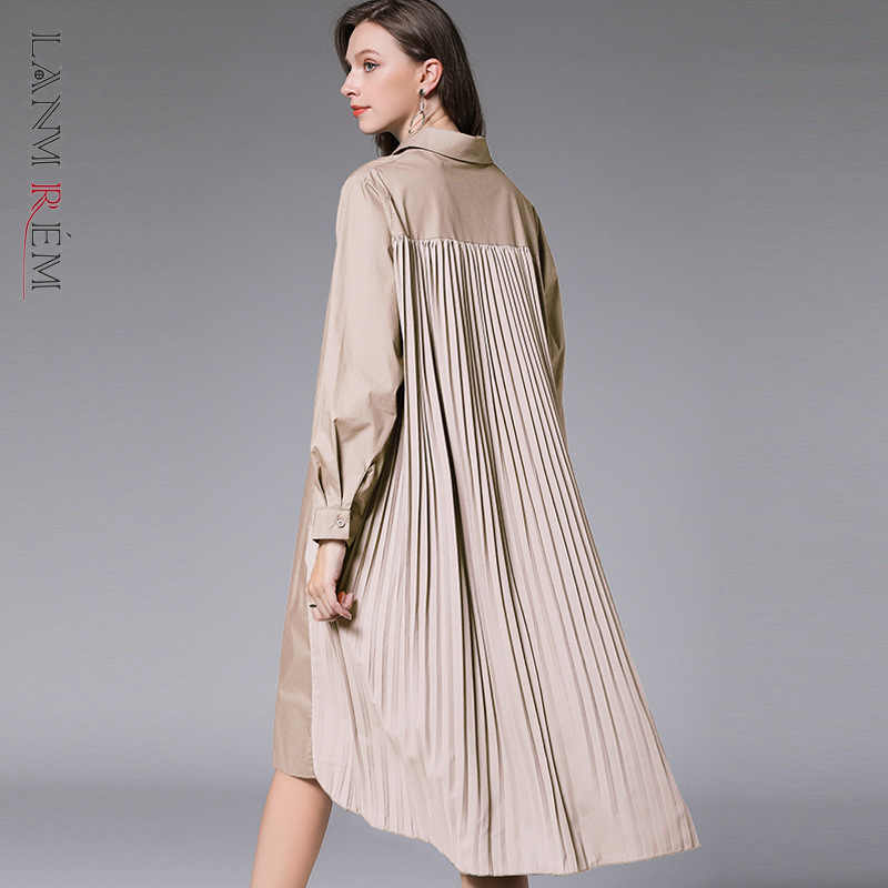 LANMREM can ship 2020 spring new loose large size turn down collar long sleeve all-match long shirt for women back pleated YH814