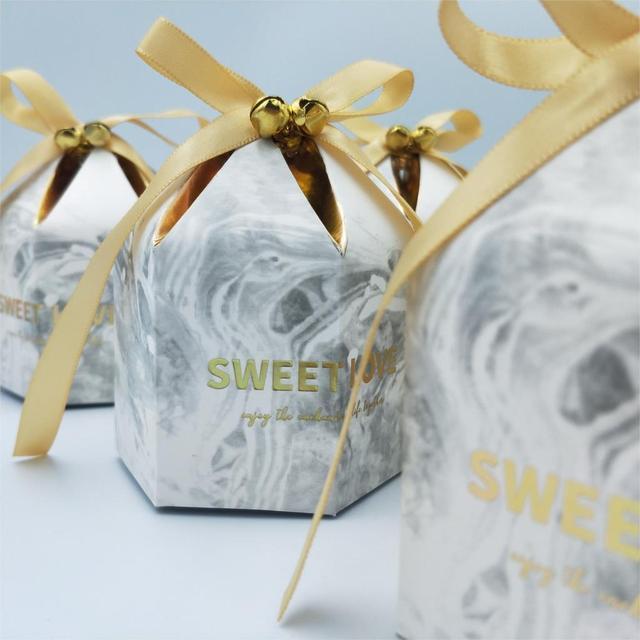 קופסות מתנת אריזת חתונה טובה שוקולד תיבת Bomboniera מתנות קופסות ספקי צד עם פעמוני & סרטי נייר שקיות
