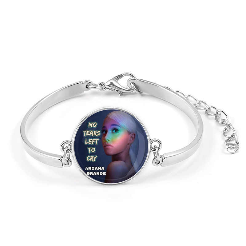 Ariana Grande Không Nước Mắt Trái Khóc Vòng Tay Bài Hát Thiên Chúa Là một Người Phụ Nữ Album Thoát Biểu Tượng Huy Hiệu Braslet Cho cô gái Đeo Cổ Tay