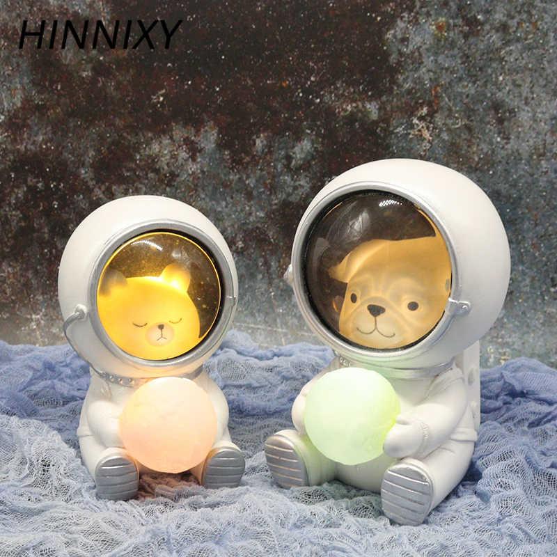 Hinnixy Kreatif Astronot Lampu Malam Anjing Kucing Beruang Ornamen Luminaria Hewan Meja Lampu Hangat Putih Resin Kerajinan Dekorasi Pencahayaan