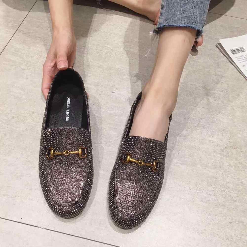Klasik tarzı 2019 ilkbahar ve sonbahar yeni İngiliz Lok Fu ayakkabı flaş matkap yumuşak tabanlı ayakkabı moda rahat vahşi kadın ayakkabısı