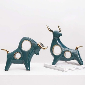 Nordic Fengshui Decoration Miniature Model Delicate Bull Figurines Living Room Decoration Crafts Abtract Artware Office Decors