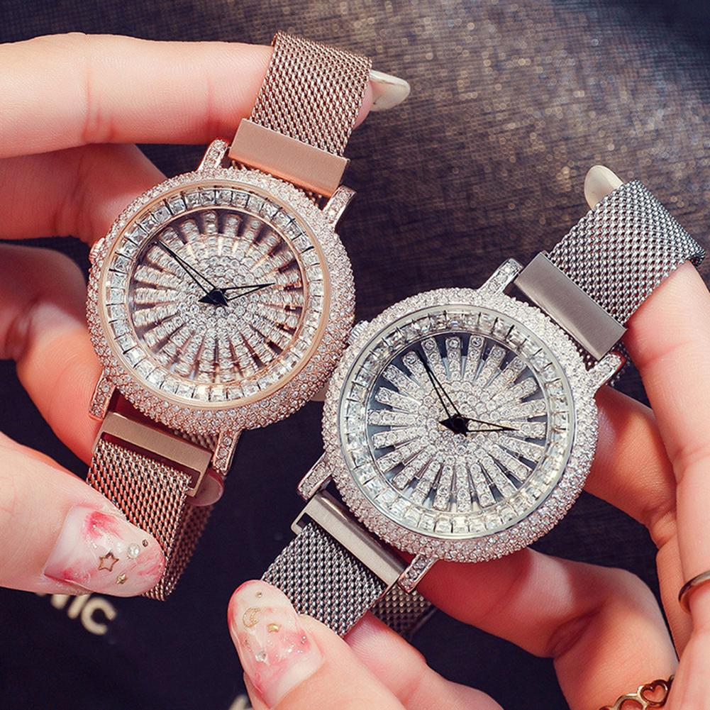 Luxury Full Rhinestone Round Dial Magnetic Alloy Band Women Quartz Wrist Watch New Ladies Dress Watches Gift Luxury