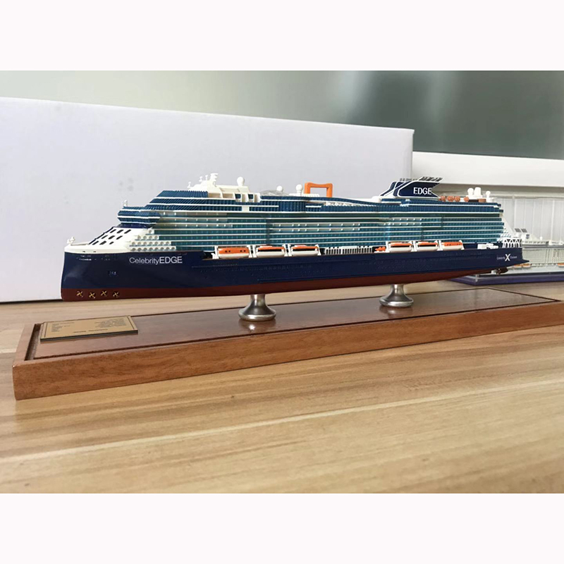 31CM 1:900 Celebrity Cruise Love Pole Model Simulation Deluxe Refined Edition Static Decoration Crafts Children's Birthday Gift