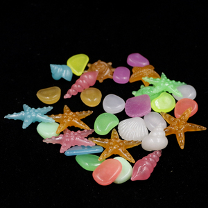 Image 3 - 20, 30,50,100 pcs Acquario Ornamenti Pietre Glow In The Dark Luminoso Pebbles Stones Per Il Giardino Ornament Fish Tank Decorazione