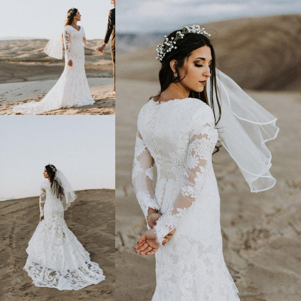 Lace Mermaid Modest Wedding Dresses With Long Sleeves V Neck Buttons Back Vintage Country Modest Bridal Gown With Full Sleeve