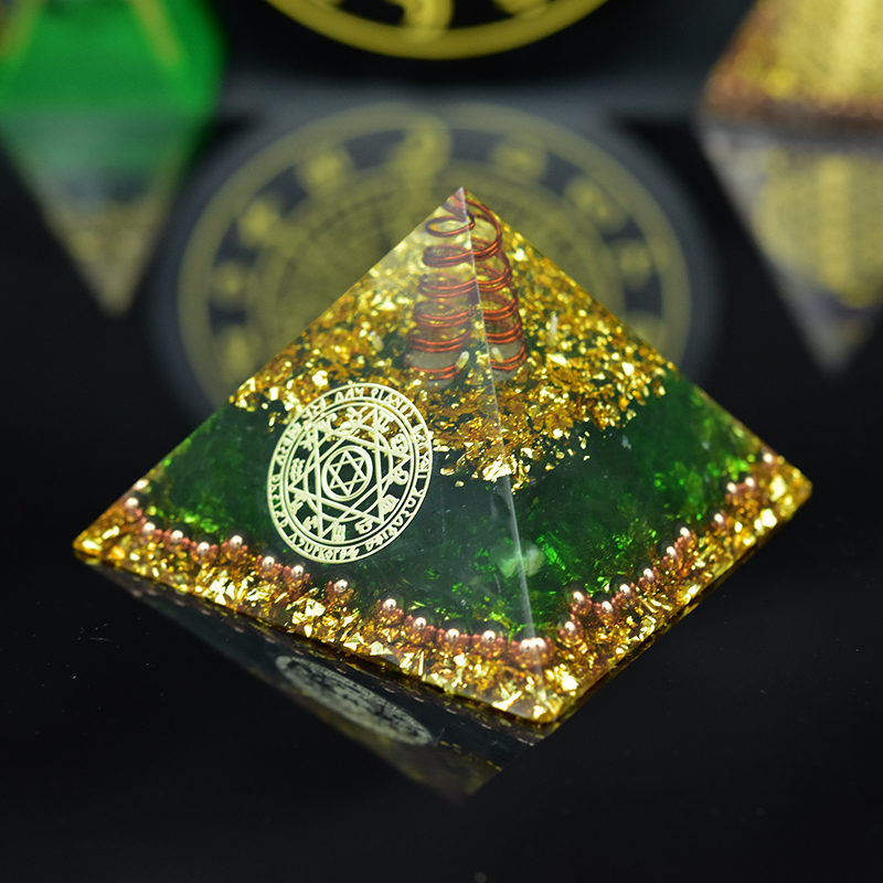 Orgonite Positive Energy Pyramid Healing Awakening Natural Crystal Yoga Meditation Practice Spiritual Decoration Decor Raft