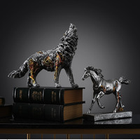 European Retro Wolf Art Sculpture Abstract Horse Figurine Resin Art&Craft Home Decoration Lucky Animal Opening Gift R2617