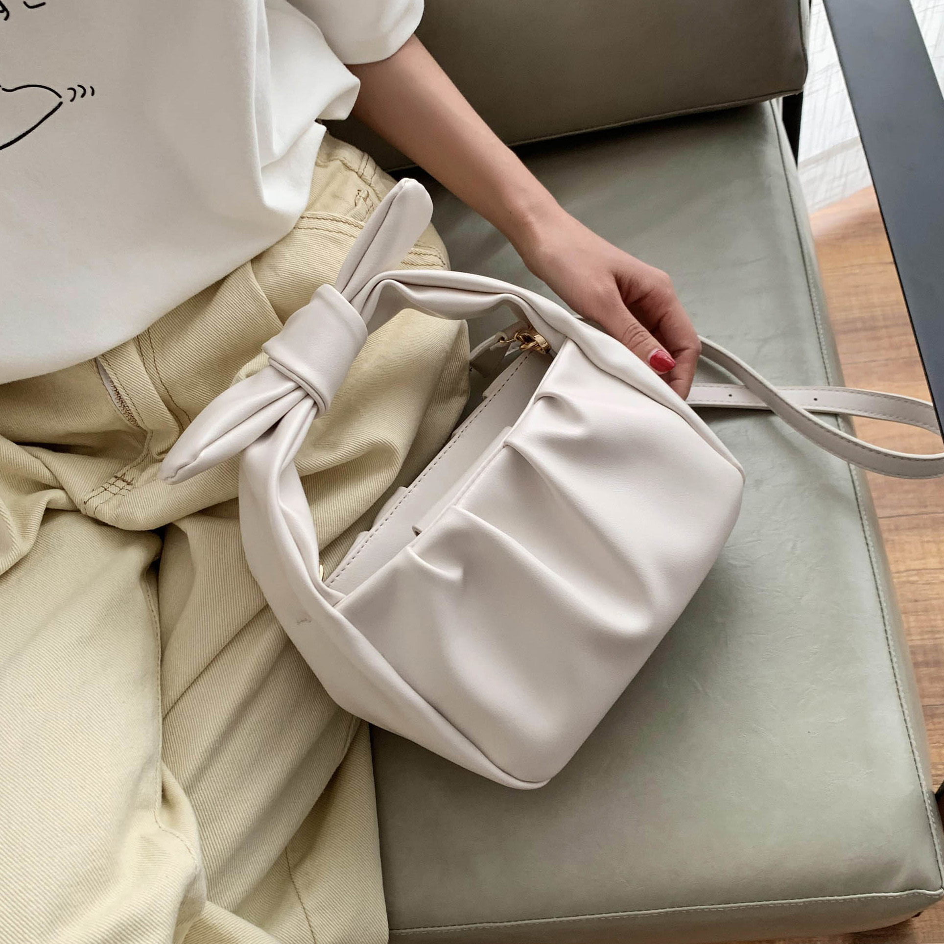 Small Tote Bags For Women 2020 Fashion Handbags Solid Color Summer Crossbody Shoulder Bag Lady PU Leather Cloud Bag